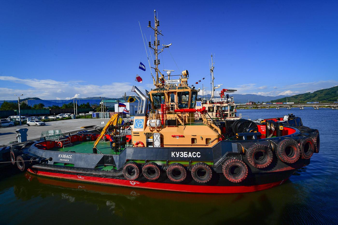 Буксиры АО «Восточный Порт» приняли участие в спасательных операциях у берегов Находки