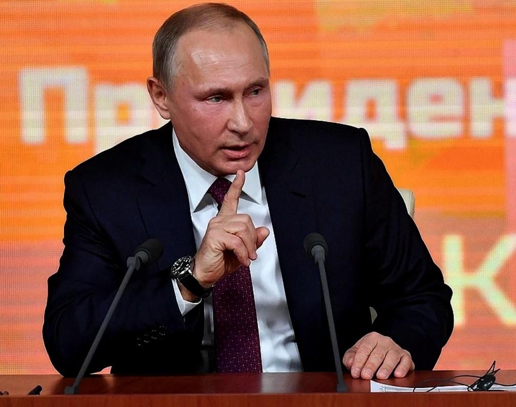 Путин исключил нарушение Конституции в отношениях с Японией