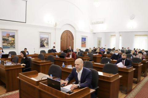 Депутаты приступили к рассмотрению отчета  об исполнении бюджета Владивостокского городского округа за 2020 год