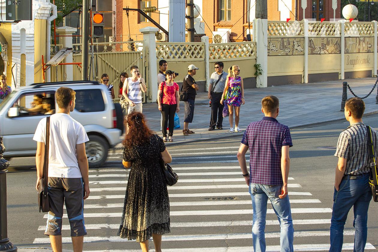 Жители Владивостока поделились мнением о поправках в Конституцию