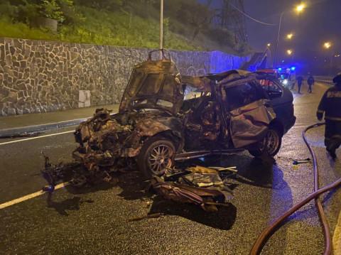 Водитель BMW заживо сгорел во Владивостоке