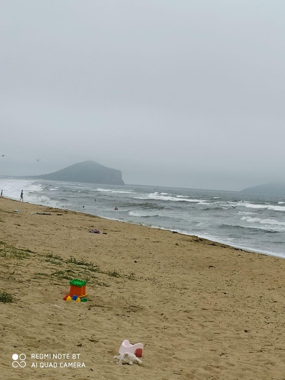 «Они лежат на берегу»: отдых на море закончился трагедией в Приморье
