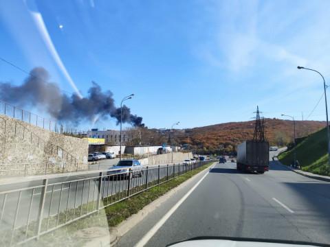 Владивосток накрыло дымом от горящего мусора