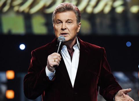 Лещенко предложил артистам брать гонорары за съёмки в «Голубых огоньках»