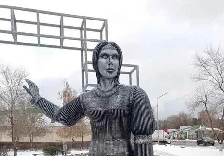 Жириновский хочет купить страшную «Аленку»