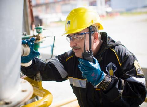 Озвучено, какую зарплату в среднем получают сотрудники «Роснефти»