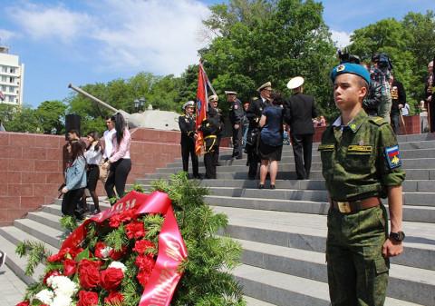 Кремль не позволит COVID помешать параду Победы