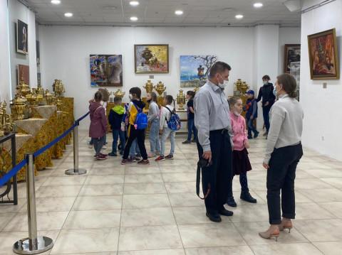 Выставка старинных русских самоваров открылась в арт-галерее «Централь»