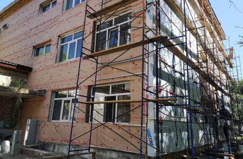 Ремонт детской поликлиники в Дальнегорске завершат в этом году
