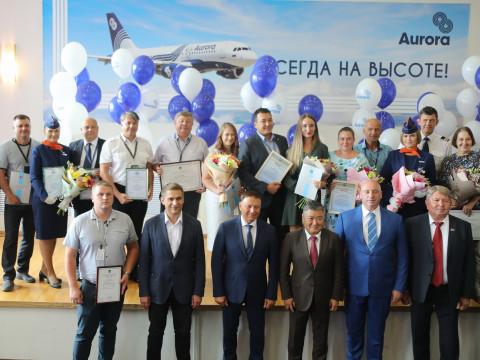 Приморские депутаты поздравили авиаторов