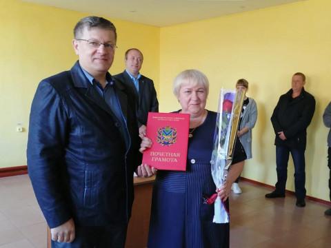 Автодорожников Партизанска поздравил депутат Владимир Хмелев