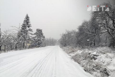 Снегоуборщик таинственно исчез во время урагана на Сахалине