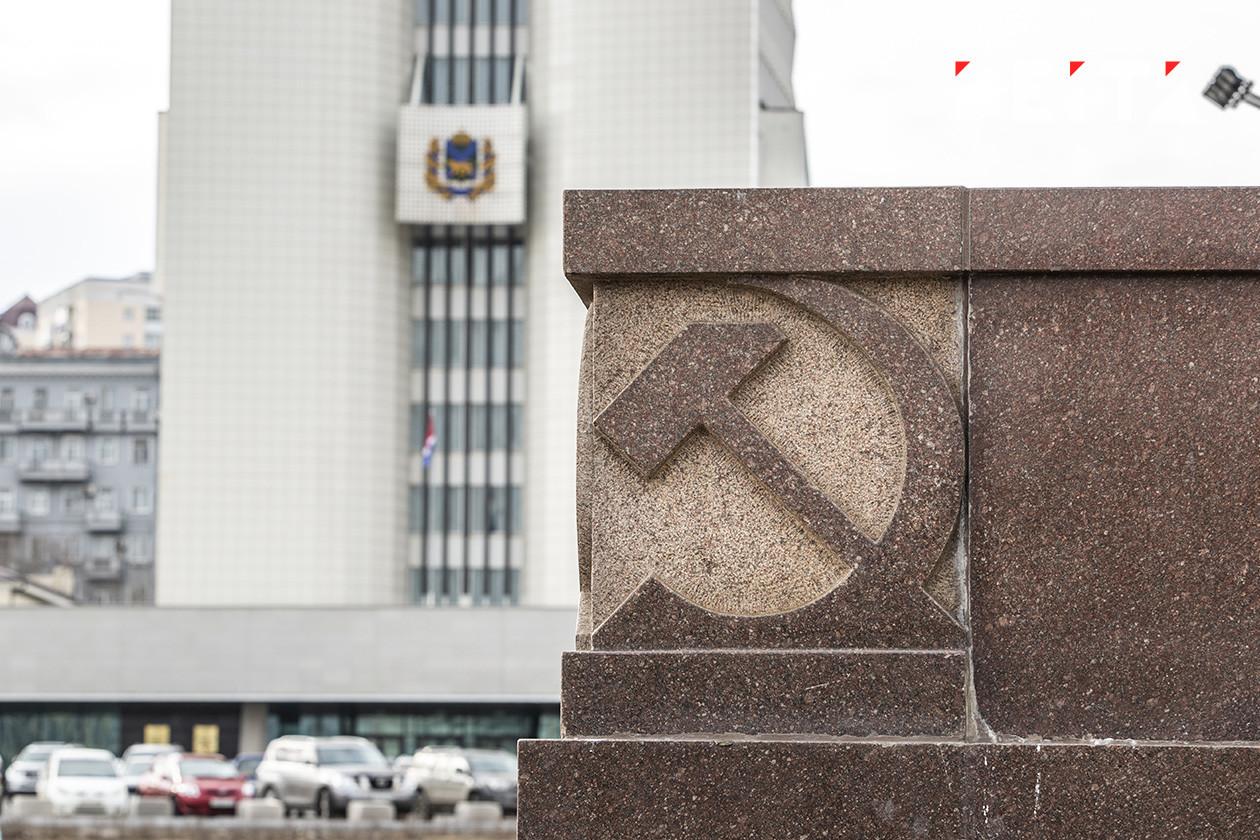 Хабаровск требует у Владивостока 11 миллионов за гранитные лавочки