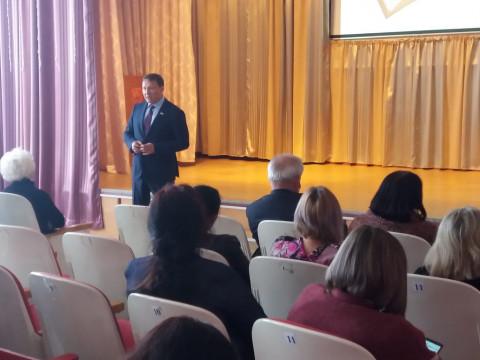 Александр Ролик анонсировал новый социальный закон на встрече с избирателями