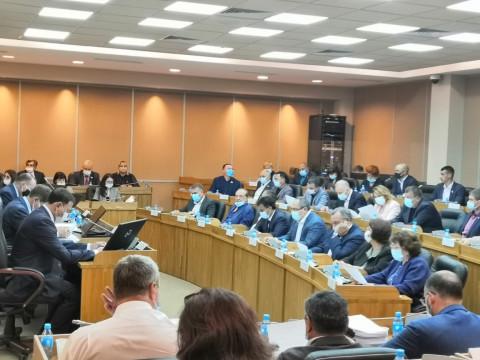 Сто важных дел: Депутаты «Единой России» отчитаются перед избирателем