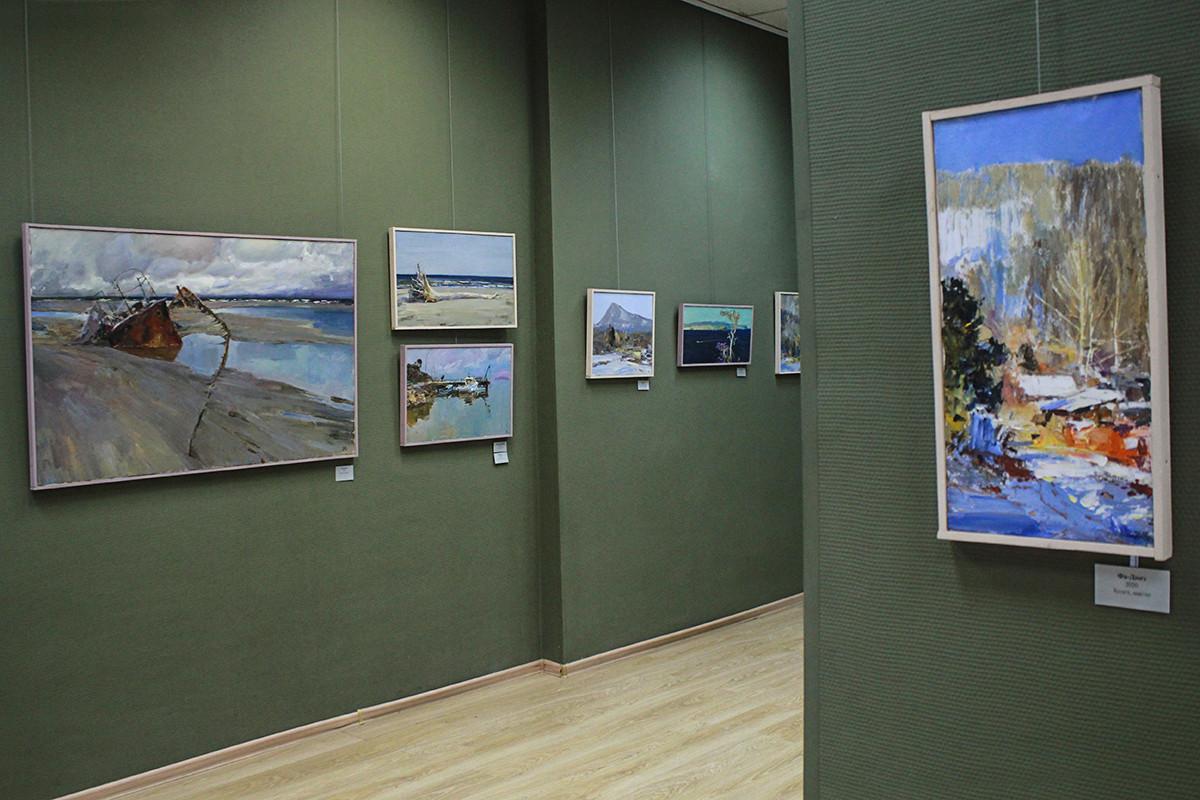 Неделя премьер ОNLINE: как праздновали день рождения Приморской картинной галереи