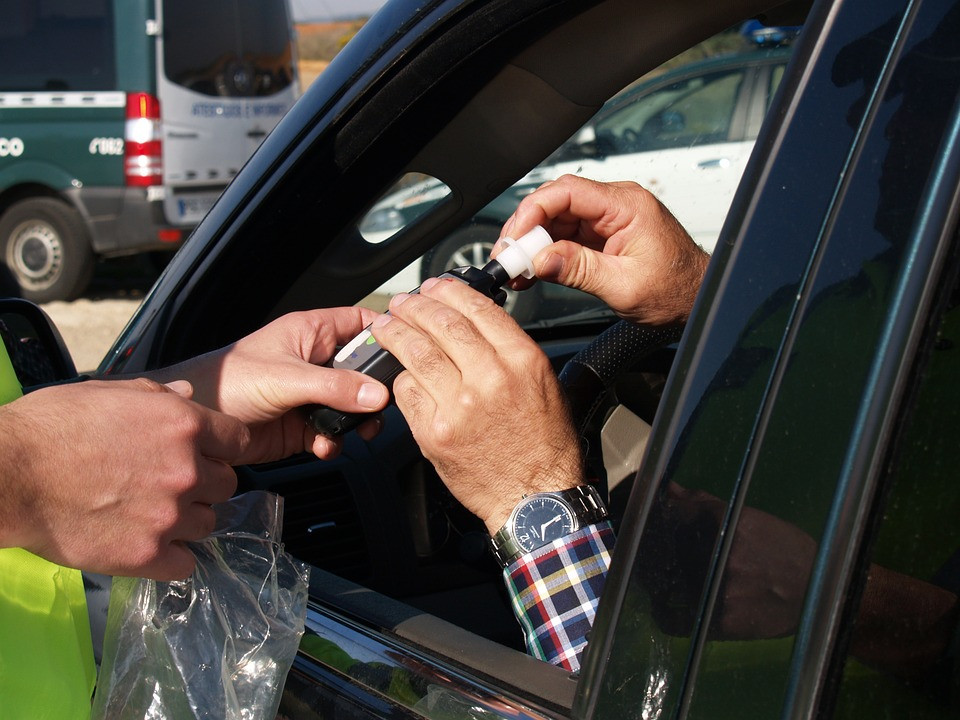 Пьяных водителей хотят жестче наказывать за детей-пассажиров