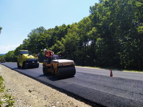 Дополнительный ремонт дорог проведут до конца года в Приморье