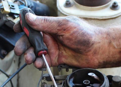 Нищих россиян хотят обучать техническим специальностям