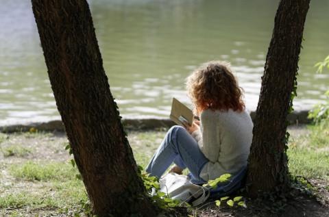 Названы книги, снижающие стресс