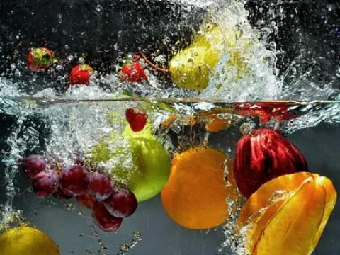 Фруктовая вода - источник здоровья. Как приготовить
