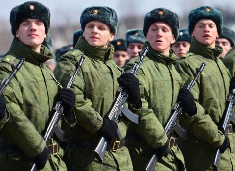 Путин решил готовить школьников к армии