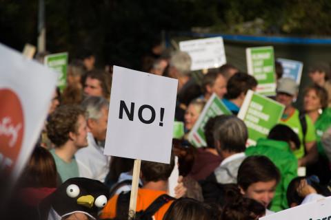 Имитируя демократию: Почему петиции на РИО остаются в «долгом ящике»