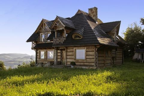 В России резко подорожают деревянные дома