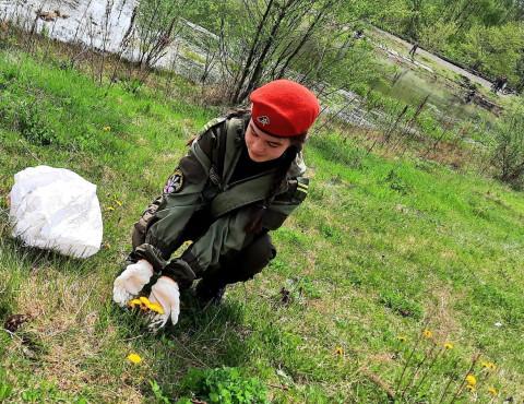 Приморские ребята и юнармейцы провели экологическую акцию