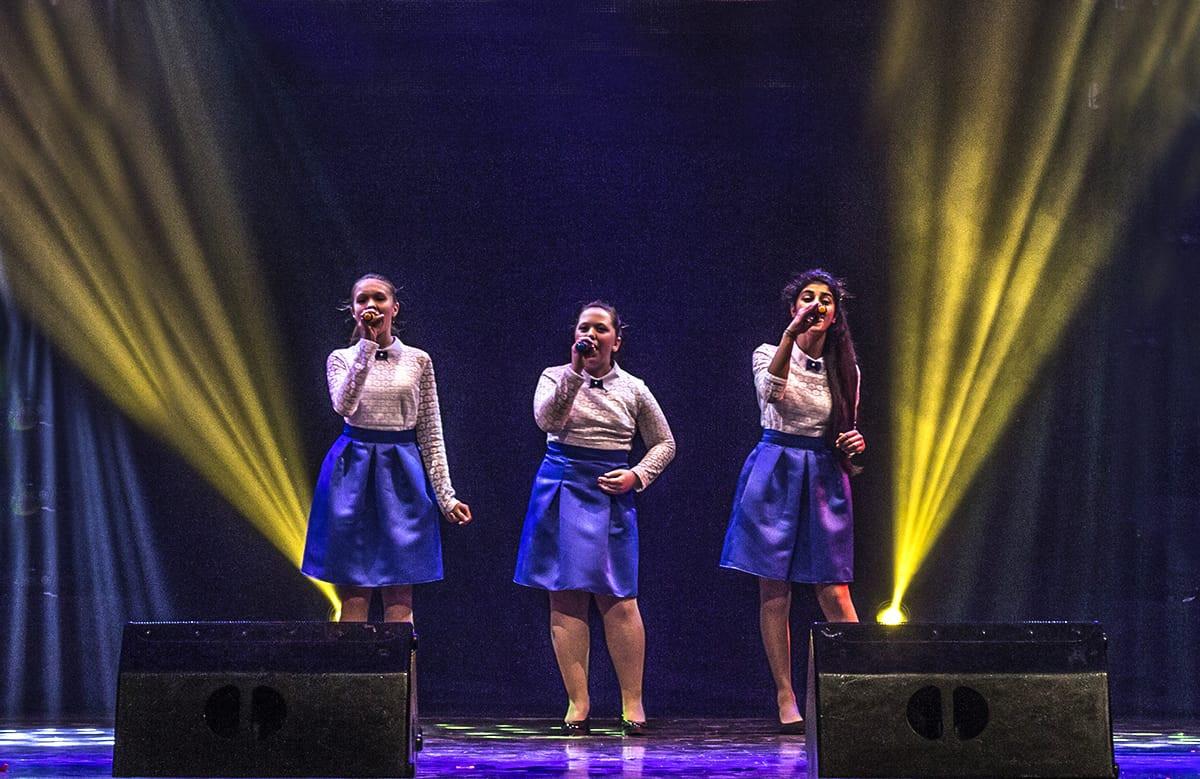 На детском конкурсе в Приморье спели 276 вокалистов