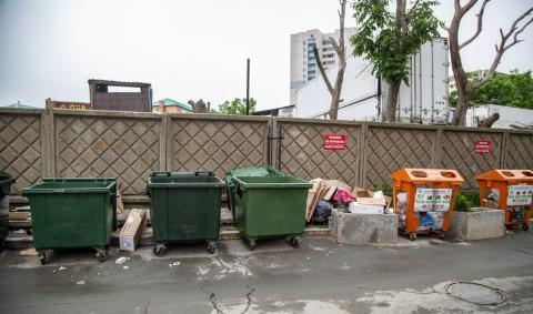 Администрация Владивостока решила проблему с вывозом мусора на Эгершельде