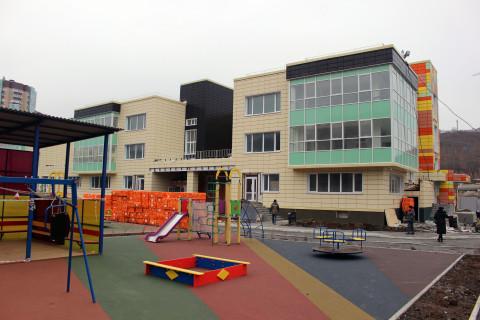 Единороссы проверили ход строительства нового детсада в микрорайоне «Патрокл»