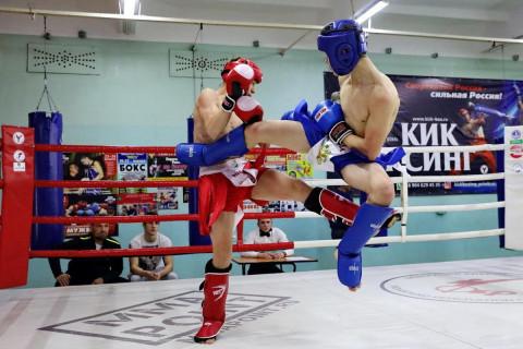 Чемпионат по кикбоксингу прошел во Владивостоке