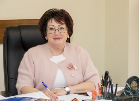Талабаева vs Горячева: доходы приморских сенаторов отличаются вдвое