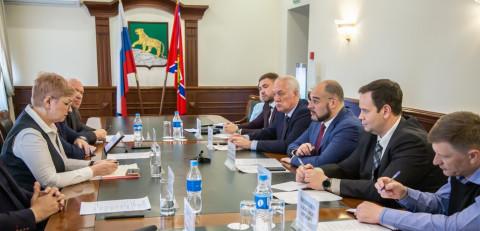 Константин Шестаков обсудил вопросы поддержки предпринимателей в администрации Владивостока