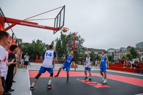 Баскетбольную площадку 3x3 открыл губернатор Приморья