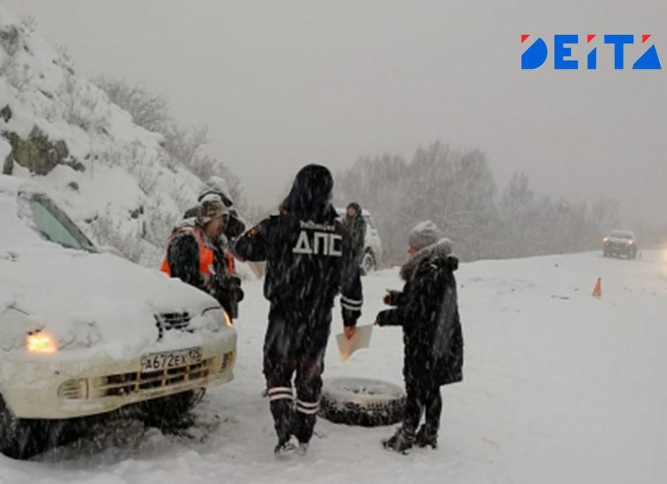 «Дорога - стекло»: весенний снегопад привёл к трагедии в Приморье