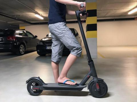 Для самокатов и скутеров потребуются права