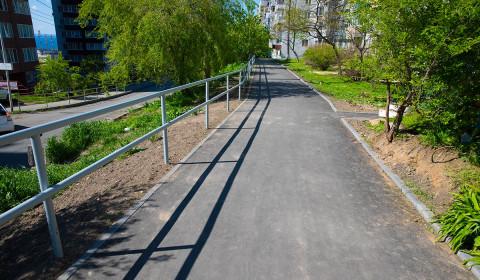 Пешеходные тротуары ремонтируют во Владивостоке