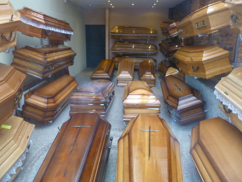 В России взлетели цены на гробы и кресты