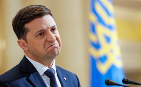 Зеленского возмутило желание украинцев привиться российской вакциной