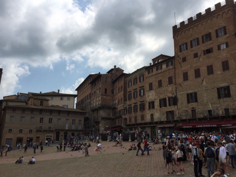 Рай на земле: в Италии продают дома за 1 евро