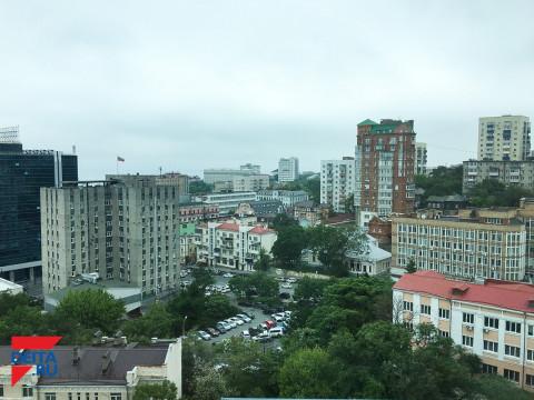 Опасный двор назвали жители Владивостока