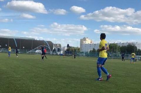 Футбольную команду из Владивостока оригинально поддержали фанаты