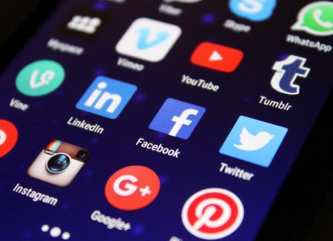 Министр пригрозил заблокировать соцсети