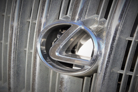 """""""Еще один"""": вслед за Land Cruiser """"прославился"""" Lexus"""