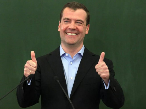 Медведев считает, что жизнь станет гораздо лучше