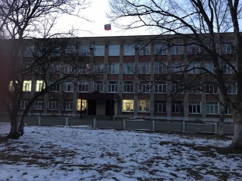 Директора школы отстранили после самосуда
