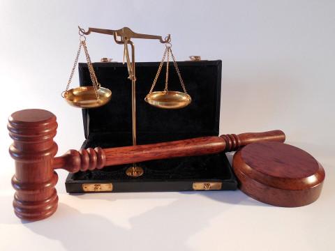 История в баре отправила мужчину на скамью подсудимых