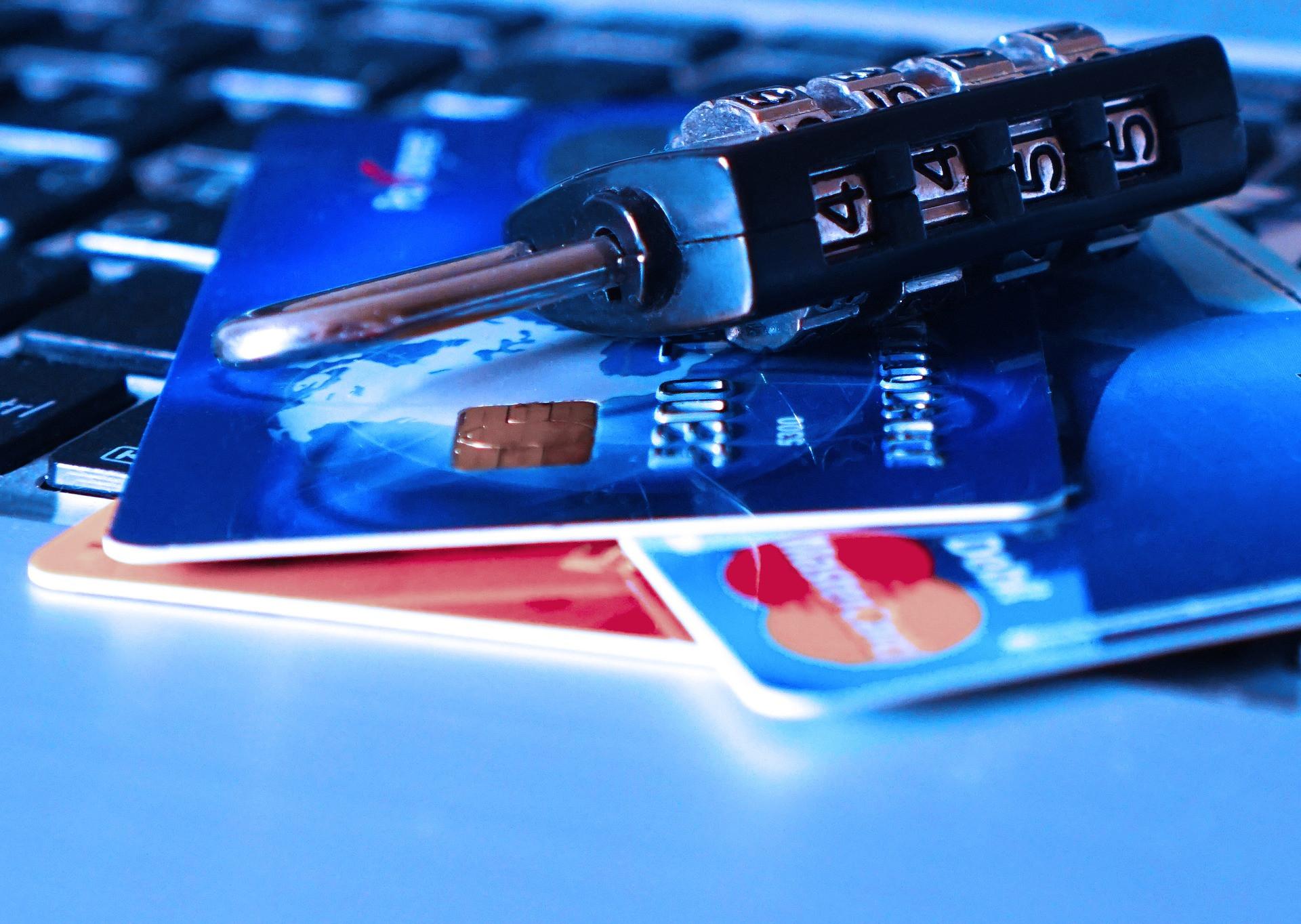 Мошенникам станет проще обманывать владельцев банковских карт